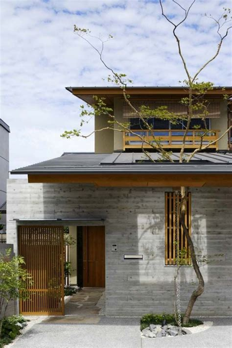 Modernes Japanisches Haus by Pin Di Balcony