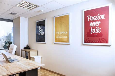 decorer un bureau 8 astuces ultimes pour décorer les murs de votre bureau