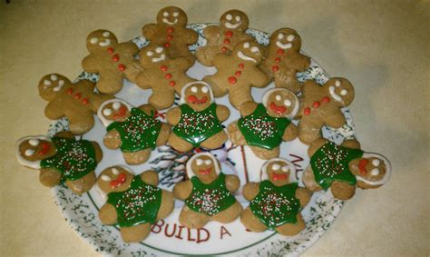 Recipes and stories from my favorite holiday by paula. Paula Deen's gingerbread boys and girls   Gingerbread