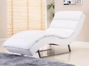design relaxliege chaise longue en simili coloris blanc ou noir poky