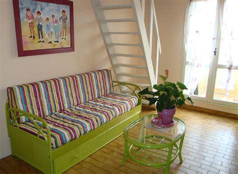 canape en osier canape en osier ou rotin maison design modanes com