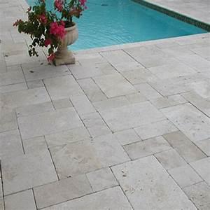 Carrelage Terrasse Piscine : une note de raffinement avec le carrelage magma en travertin ~ Premium-room.com Idées de Décoration