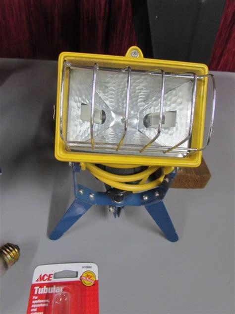 lot detail router tablehalogen lamps  fan
