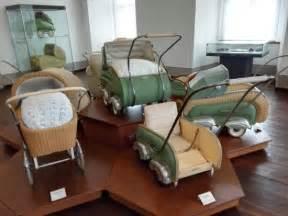 schloss für kinderwagen kinderwagen aus den 30er 40er wagen 20 jhdt picture of museum schloss moritzburg zeitz