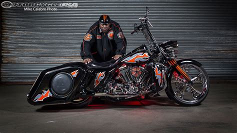 Harley Davidson Road King Wallpaper by Harley Davidson Road King Wallpapers And Background Images