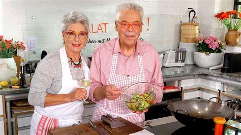 Martina und moritz rezepte heute. Kochen mit Martina und Moritz: Salat satt: Mal leicht, mal üppig, immer bunt! | ARD Mediathek