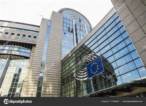 parlamento europeo sede bruxelles parlamento europeo a bruxelles belgio foto editoriale
