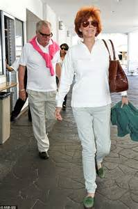 actress jill wagner related to robert wagner robert wagner heads out for lunch with wife of 23 years