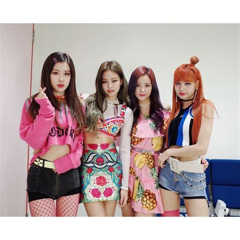 Wallpapers, which consists of 4 individuals. IG: @blackpinkofficial   Blackpink fashion, Blackpink ...