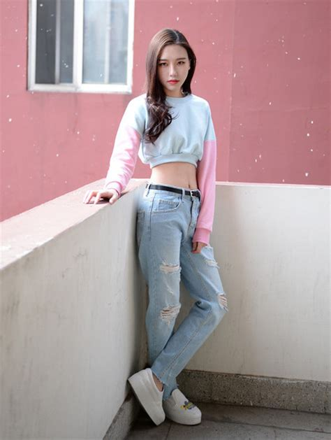 Jeans clothes outfit mom jeans baggy pants ripped jeans top - Wheretoget