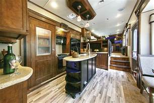 the latest trend in fifth wheels brings the lounge