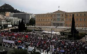 Thousands take to streets in Greece ahead of reform vote ...