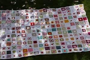 Granny Square Decke Häkeln : granny squares decke f r japan versteigerung stricken und h keln mit elizzza ~ Orissabook.com Haus und Dekorationen