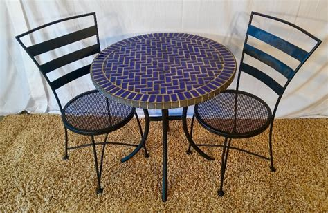 bistro tabel and set of 2 chairs metal tile r s