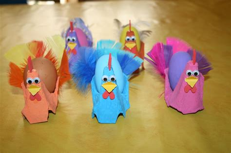 poules de paques fabriqu 233 es avec des bo 238 tes 224 oeufs les lutins cr 233 atifs bricolage pour enfants