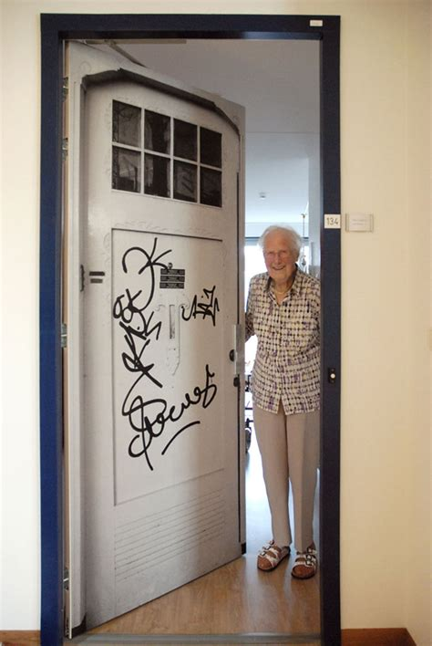 company recreates doors  dementia patients houses