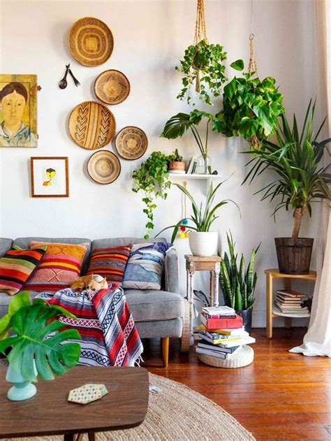 Diy boho upcycle home decor | easy textured ceramic look, boho wall art, plant stands. small-boho-living-room-with-wall-art-ideas
