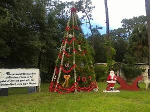 Discover the Florida Town Where it's Christmas All Year Long