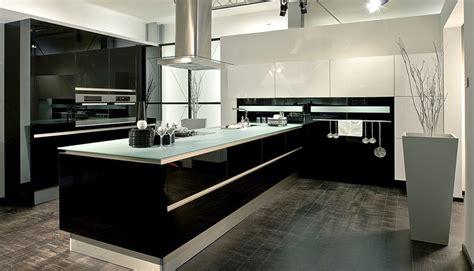 Küchen Schwarz Hochglanz by St 246 Rmer K 252 Chen Bilder