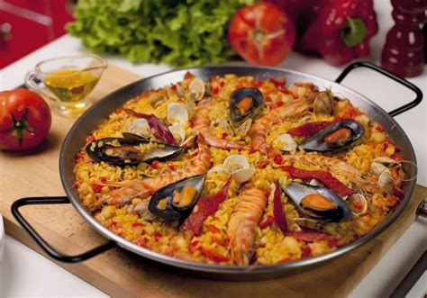 cuisine paella authentic paella recipe jetsetter jenn