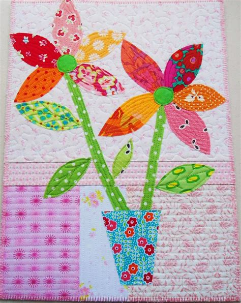 Wall Applique by Snow Flowers Applique Wall Hanging Favequilts