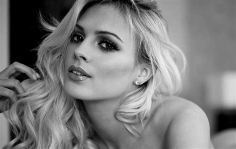 Danielle Sellers In Black And White Porn Photo Eporner