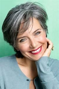 Coupe Courte Femme Cheveux Gris : coupe de cheveux gris femme 40 ans ~ Melissatoandfro.com Idées de Décoration