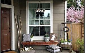 Decorating the Front Porch for Easter