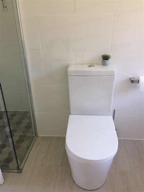 wall ceramic toilet suite  soft