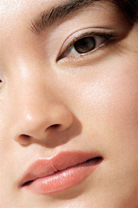 korean makeup artist ko won hye explains  chok chok  beauty makeup trend allure