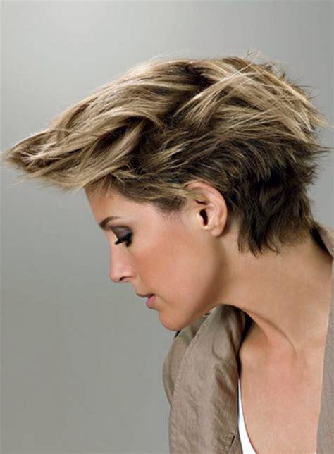 coupe de cheveux moderne courte coupe courte moderne femme