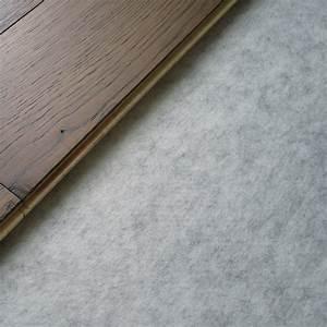 parquet plastique un revtement pvc en rouleau en dalles With parquet en plastique