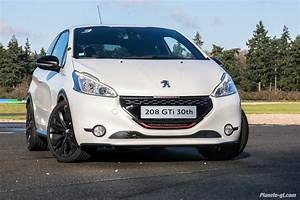 Peugeot 208 Blanche : essai vid o peugeot 208 gti 30th birthday plan te ~ Gottalentnigeria.com Avis de Voitures