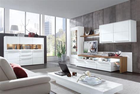 Wohnwand Mit Glasvitrine by Moderne Gwinner Wohnwand Mit Wandregal Und Glasvitrine