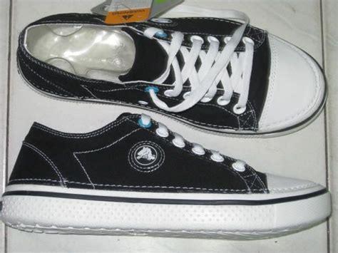 Jual Sepatu Crocs M12 Hover Lace Up Original Gaya Sepatu Untuk Piknik Mengkilap Hitam Yeezy Izzy Grosir Gaul Anak Jual Hak Tinggi Pria Airwalk Jupe