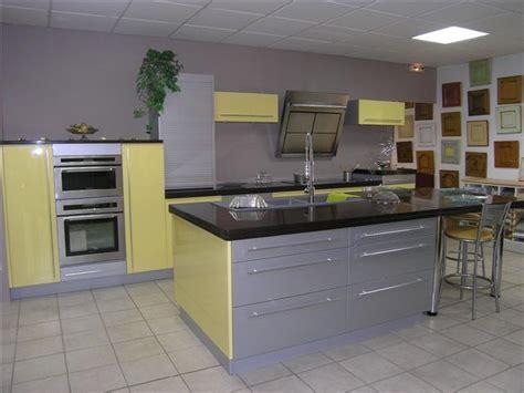 quelle couleur de mur pour une cuisine grise quelle couleur de mur pour une cuisine avec des meubles jaunes