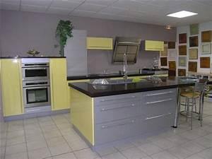 elegant modele de cuisine jaune et gris quelle couleur de With sol gris clair quelle couleur pour les murs 11 quelle couleur salle de bain choisir 52 astuces en photos