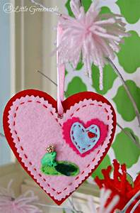 DIY Felt Ornaments for Valentine's Day - 3 Little Greenwoods