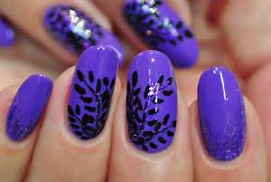 Pretty manicures that show off your love for purple