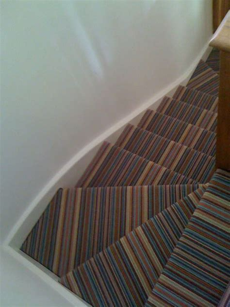 striped carpet  stairs winder   diynotcom
