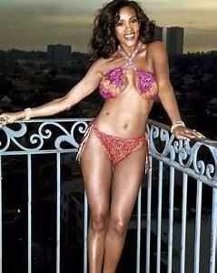 Vivica Fox Photos In A Bikini Vivica A Fox Sexy To