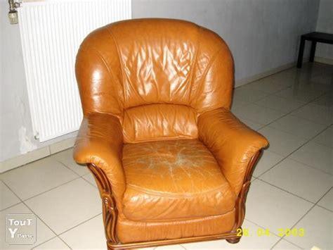 canap et fauteuil assorti canapé d 39 angle en cuir et fauteuil assorti lorraine