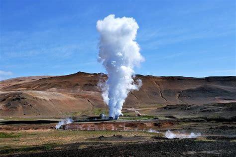 Геотермальная энергия. геотермальные источники энергии.