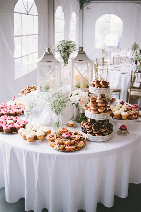 26 Inspiring Chic Wedding Food And Dessert Table Display