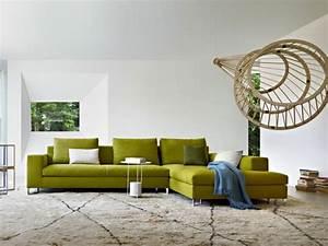 Canapé Ultra Moelleux : canap vert dans le salon contemporain et id es d co assortie ~ Teatrodelosmanantiales.com Idées de Décoration