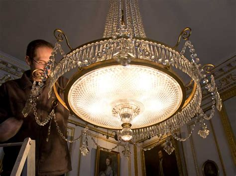 chandelier light fixture cleaning service company