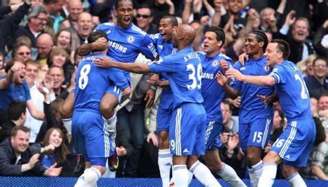 Signed Chelsea-Tottenham Match Ball, 2009/10 Premier ...