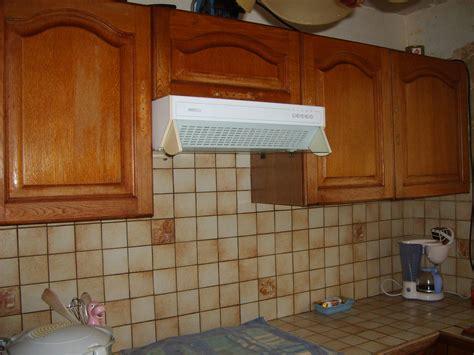 repeindre un carrelage de cuisine modele de cuisine en bois repeindre mzaol com