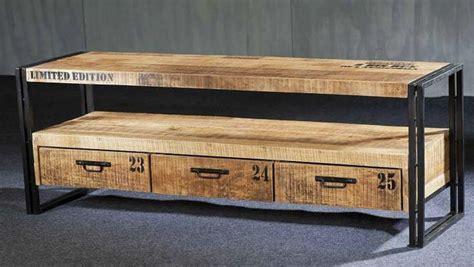 meuble fait avec des palettes de bois