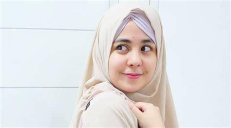 Risty Tagor Akui Pernah Tergoda Buka Jilbab Karena Ini